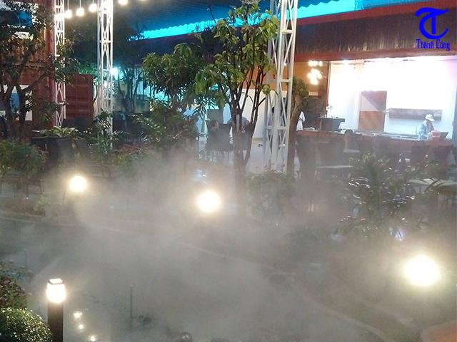 Lắp đặt máy phun sương làm mát cho quán cafe