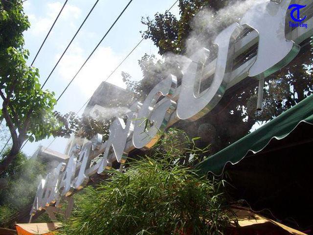 Lắp đặt máy phun sương quán cafe tại Hóc Môn nhanh chóng, chuyên nghiệp