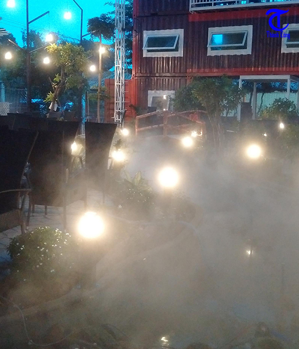 Lắp máy phun sương cho quán cafe tại Quận 10