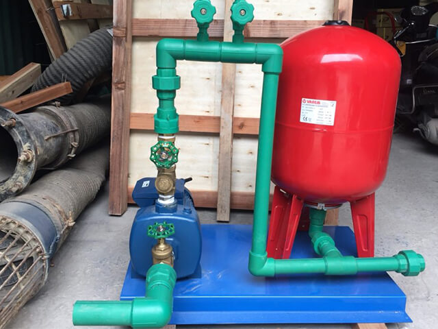 công dụng của máy bơm nước tăng áp